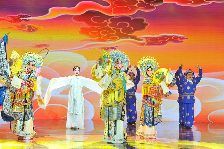 第五屆《中華之光——傳播中華文化年度人物》頒獎典禮現場穿插文藝表演。