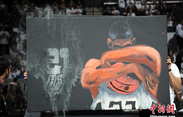 Spurs retire Tim Duncan