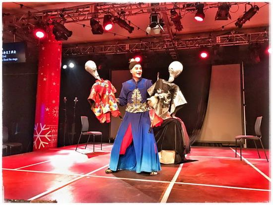 "The timeless classic ""Hamlet"" rendered in the form of a traditional Chinese opera, it"