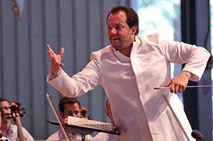 安德里斯•内尔松斯将指挥波士顿交响乐团演出十场古典音乐会