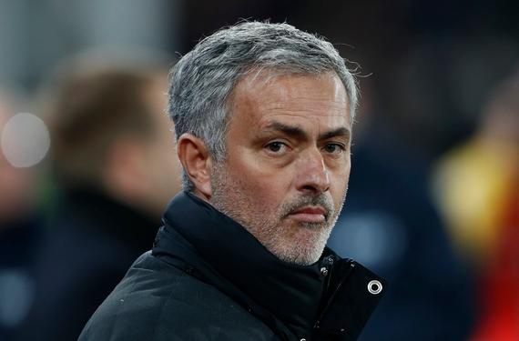 Mourinho asegura que el Manchester United no le ha ofrecido un nuevo contrato (Foto de archivo)