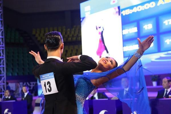 Ganadores buscan ascender a grupo profesional de baile deportivo en China
