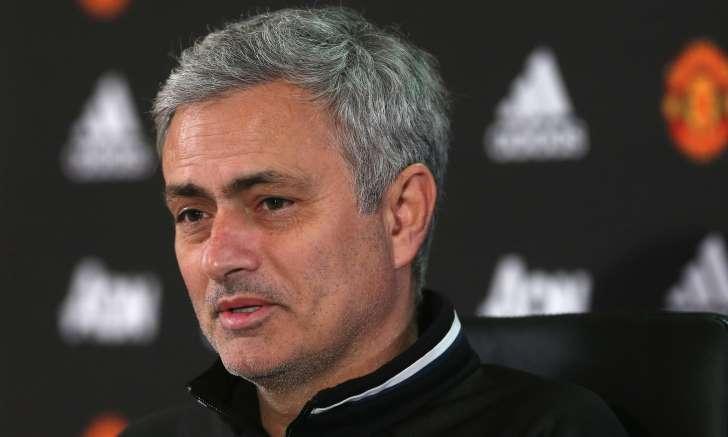 Fútbol: Mourinho asegura que no dudó si aceptar la oferta de su actual club