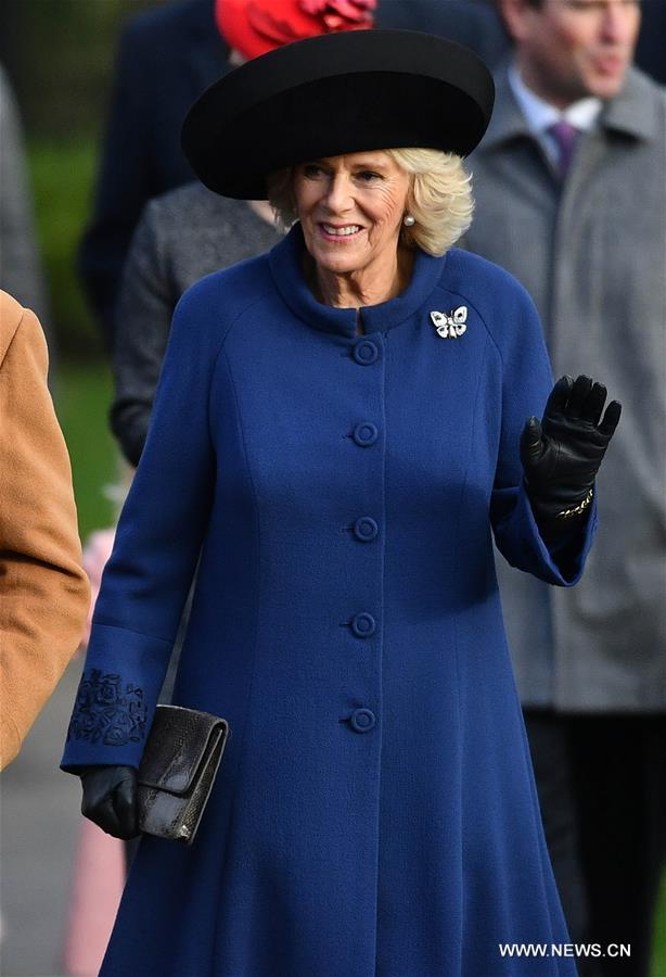 الملكة اليزابيث البريطانية تتخلف عن قداس عيد الميلاد بسبب المرض