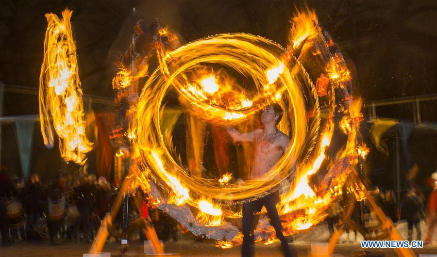 Photo prise le 21 décembre 2016 montrant le Festival du solstice d