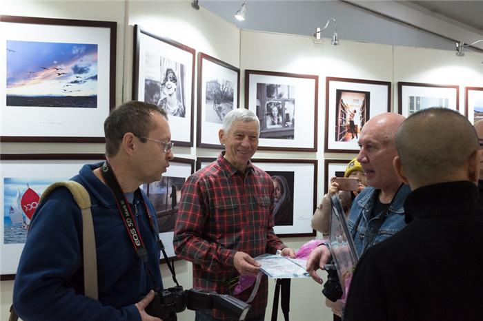 В Суйфэньхэ представили работы фотографов из двух стран