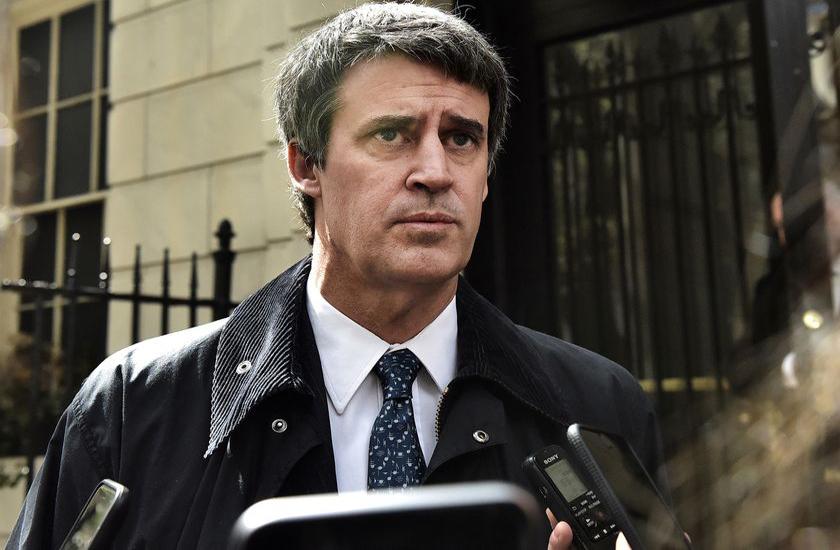 Le ministre des Finances sommé de démissionner