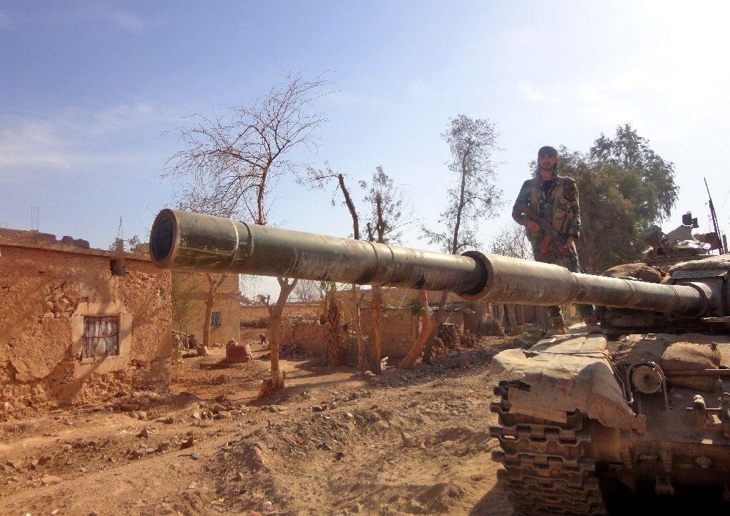 Air strikes kill 22 civilians in eastern Syria