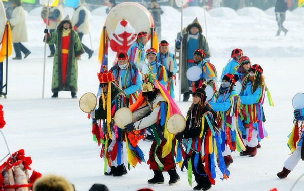 Arranca el festival turístico de pesca en hielo y cultura del lago Chagan