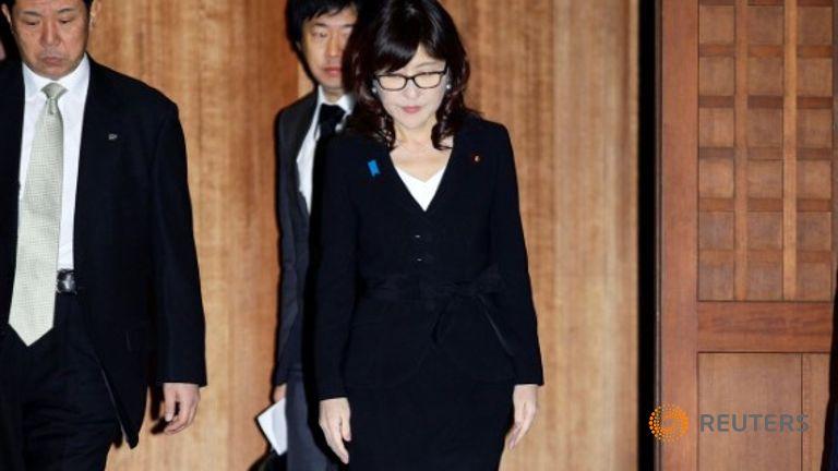 Visite de la ministre japonaise de la Défense au sanctuaire de Yasukuni