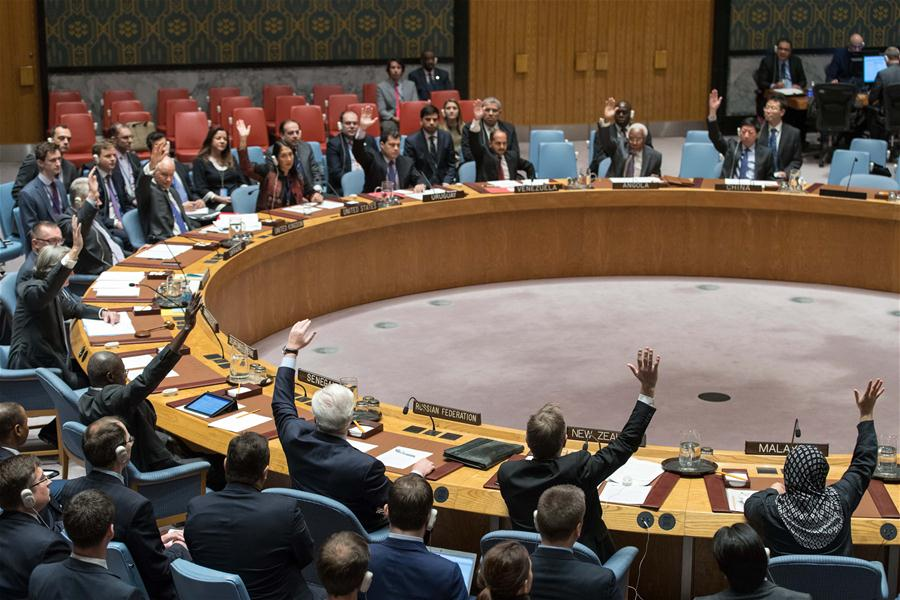 Photo taken on Dec. 31, 2016 shows UN Security Council voting on a resolution draft endorsing the Syria cease-fire arrangement brokered by Russia and Turkey as well as the new peace talks plan among Syrian conflict parties at the UN headquarters in New York. The UN Security Council on Saturday unanimously adopted a resolution endorsing the Syria cease-fire arrangement brokered by Russia and Turkey as well as the new peace talks plan among Syrian conflict parties. (Xinhua/Li Muzi)