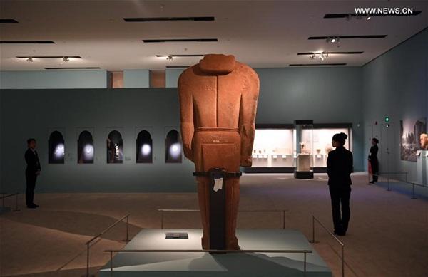 """""""روائع آثار المملكة عبر العصور""""... معرض يفتح نافذة على الحضارة السعودية أمام الصينيين"""