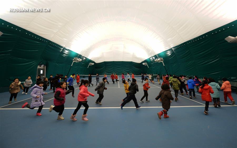 Надувной спортзал со встроенным воздушным фильтром защитит школьников от смога в провинции Хэбэй