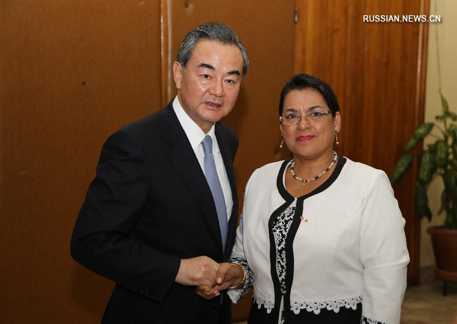 Президент Мадагаскара Эри Радзаунаримампианина встретился с главой МИД КНР Ван И