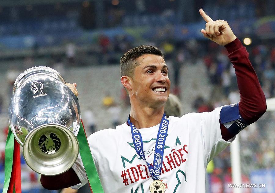 Cristiano Ronaldo nommé meilleur joueur de la FIFA en 2016