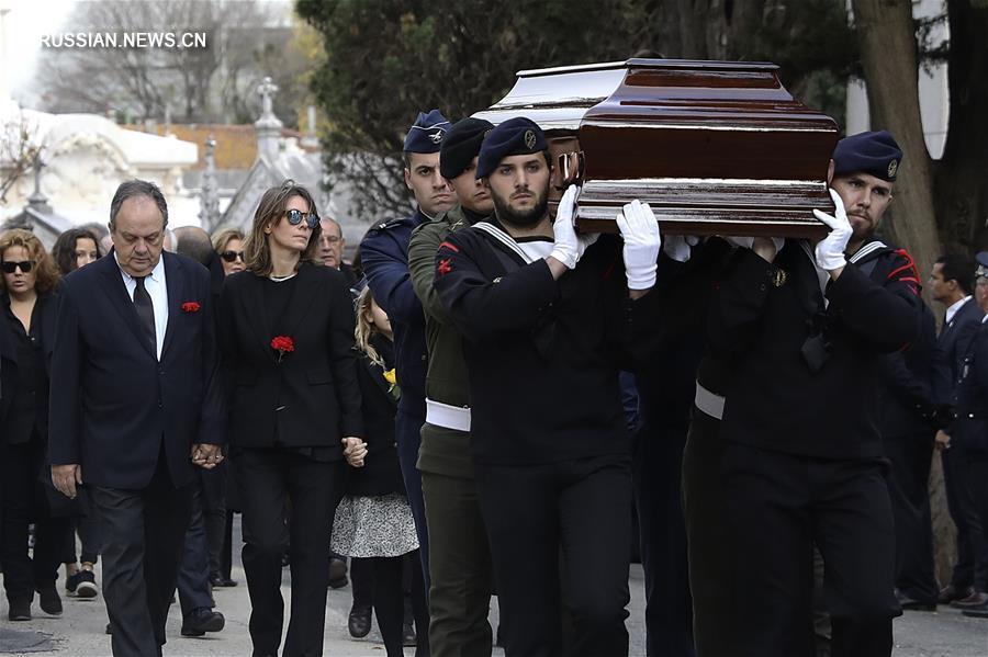 В Португалии состоялись государственные похороны М. Суареша