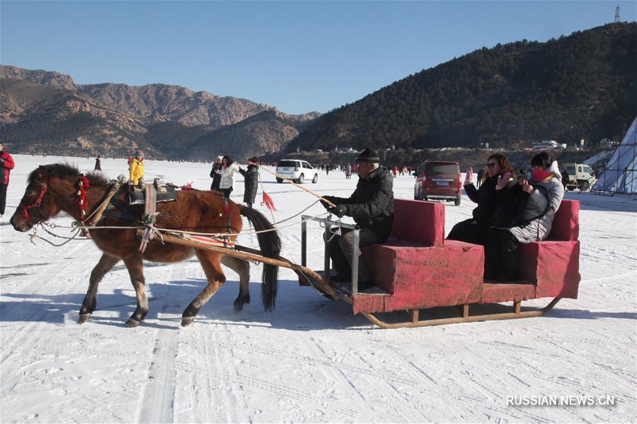 На озере Цзымэнху открылся туристический фестиваль зимней рыбалки