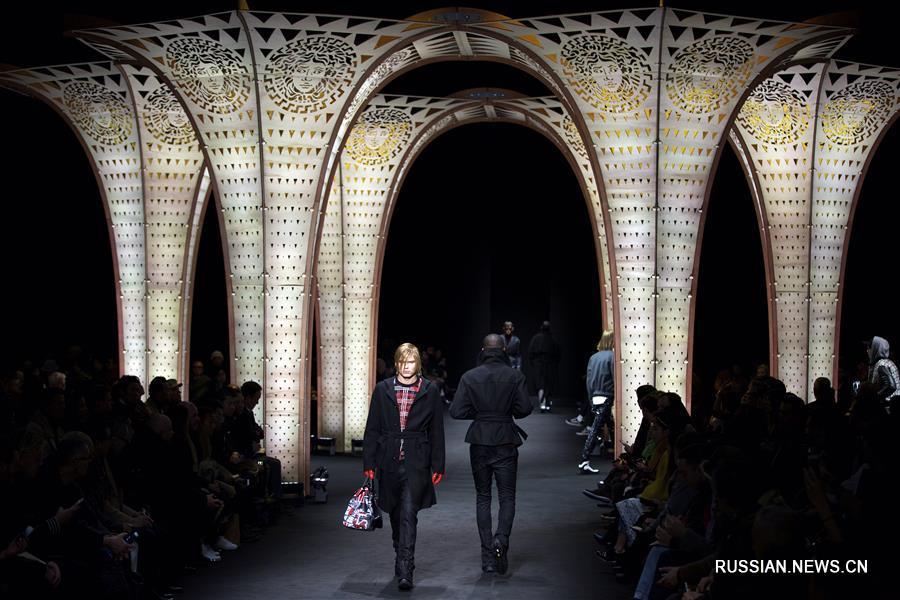 Миланская неделя моды: презентация коллекции мужской одежды от Versace