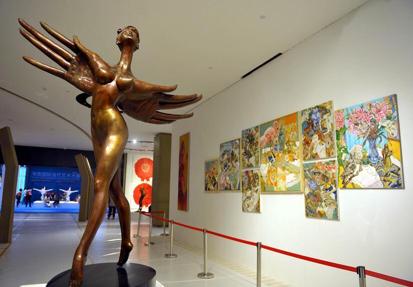海博会国际当代艺术大展上展出的的艺术家作品