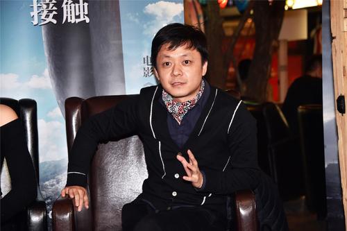 诗人、中国当代文学与文化研究学者杨庆祥赞扬《降临》