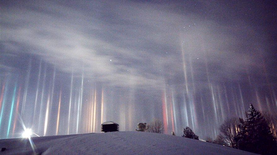 Colonnes lumineuses en Ontario, au Canada