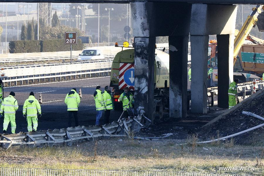 مقتل 16 شخصا في تحطم حافلة طلاب مجرية بشمال إيطاليا