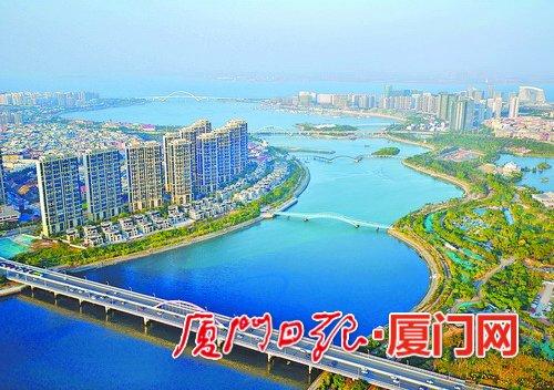 廉洁也是动力,为湖里建设现代化中心城区贡献力量。(本报记者 王火炎 航拍器摄)