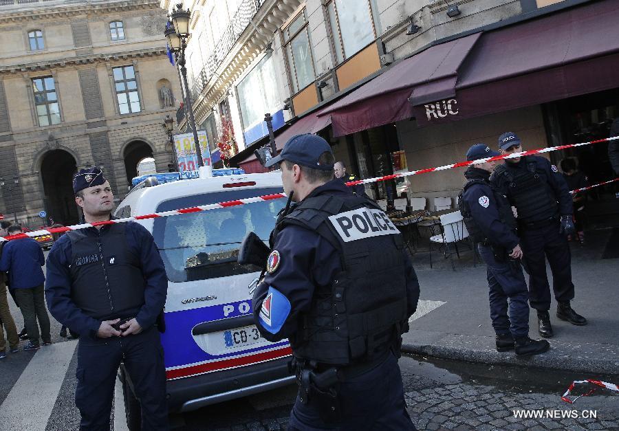 """الرئيس الفرنسي: """"تهديد الارهاب سيبقى لفترة"""""""