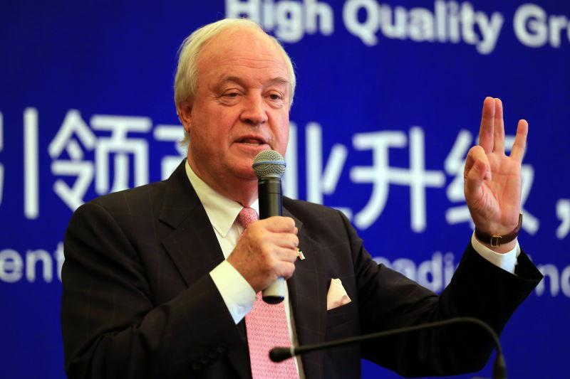 El Embajador de Chile en China, Jorge Heine, durante un acto en Tianjin (Foto ofrecida por la Embajada de Chile en China)