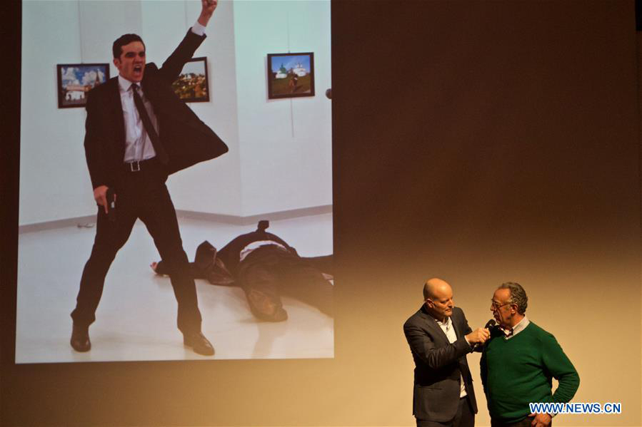 Le photographe turc Burhan Ozbilici remporte le World Press Photo