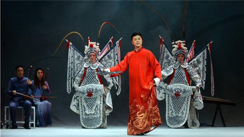 《唐诗宋词》黄梅音乐演唱会串联起27首唐诗宋词中脍炙人口的名作名篇,同时还将传统礼仪巧妙融会其中