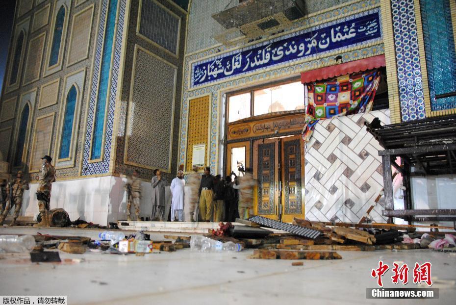 50 personnes sont tuées dans un attentat suicide dans la province de Sindh