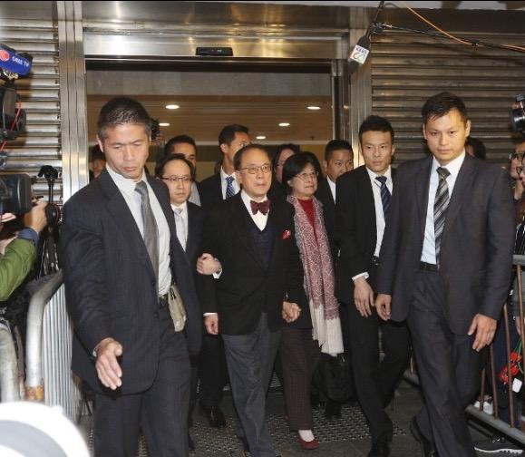 前香港特首曾荫权涉公职人员行为不当一项罪名成立