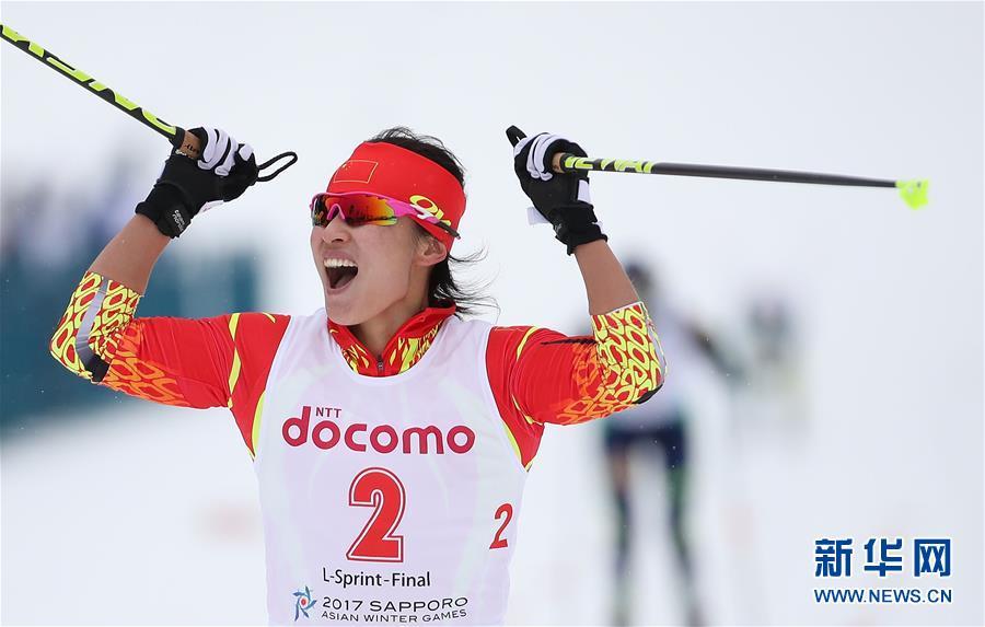 حصدت متزلجة المسافات الطويلة الصينية مان دان دان أول ذهبية للصين