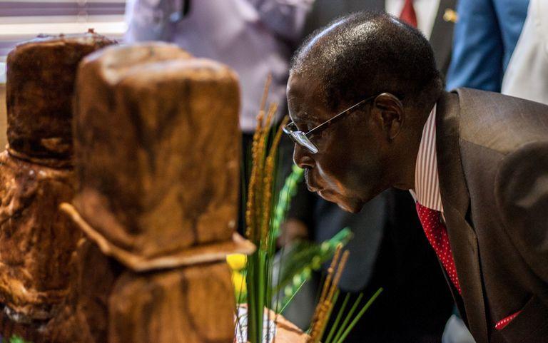 Au Zimbabwe une fête somptueuse va être organisée pour le plus vieux président du monde