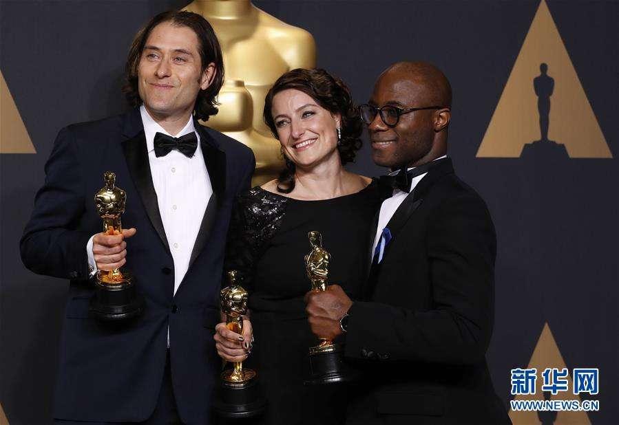 《Ла-Ла Ленд》 ошибочно объявили лучшим фильмом вместо 《Лунного света》