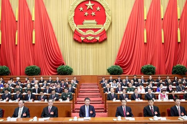 انطلاق الجلسة الافتتاحية للدورة الخامسة للمجلس الوطني الثاني عشر لنواب الشعب الصيني