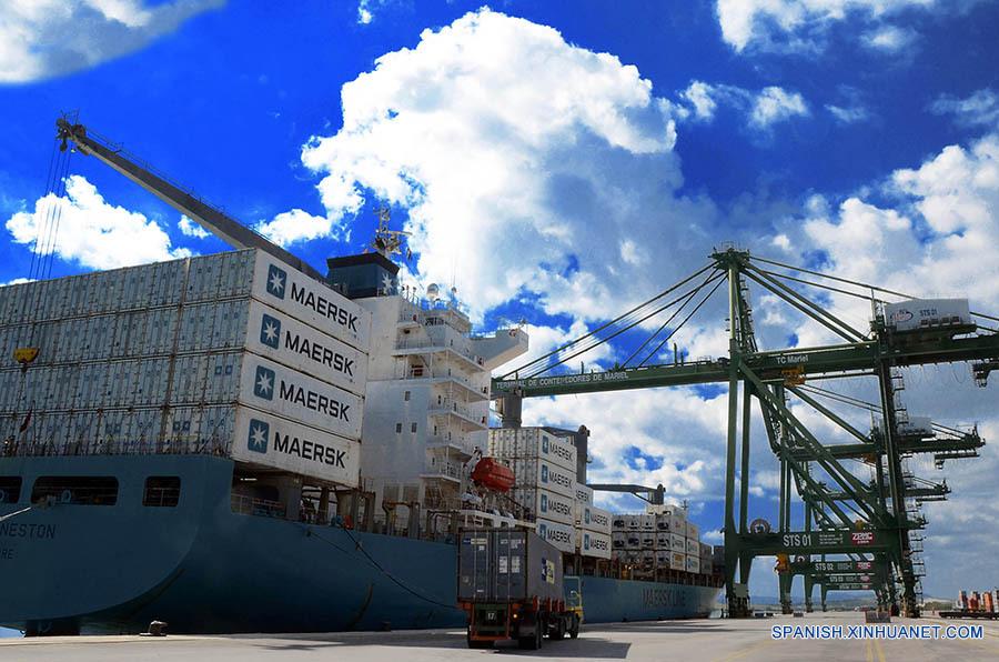 Área de carga y descarga de los buques de mercancía en la terminal de contenedores de la Zona Especial de Desarrollo del Mariel. La Habana, Cuba 6 febrero de 2017. Joaquín Hernández / Xinhua