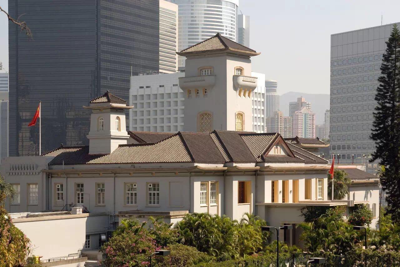 在142年间,政府大楼都是英国总督官邸