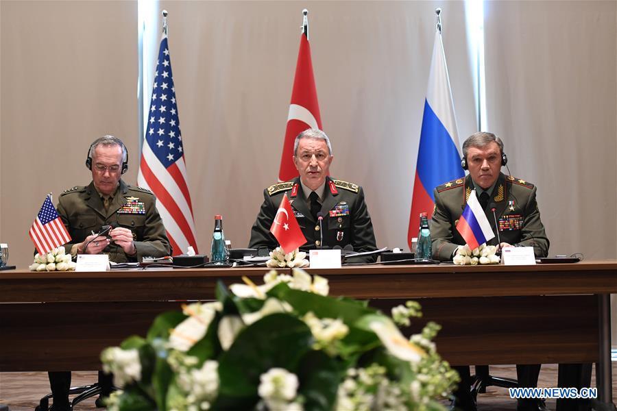 Les chefs des armées turque, russe et américaine discutent de la situation en Syrie et en Irak