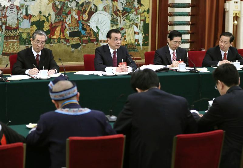 3月8日,中共中央政治局常委、国务院总理李克强参加十二届全国人大五次会议广西代表团的审议。