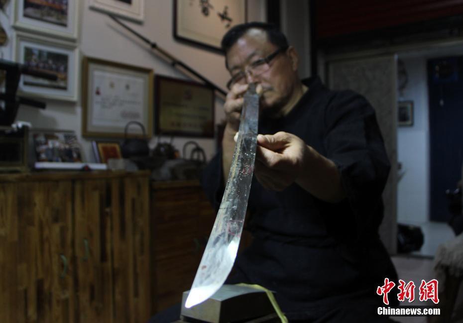 « Médecin prodigieux » des sabres et épées antiques