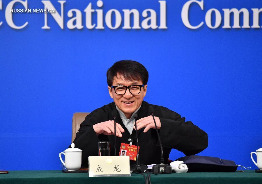 Благодаря конкуренции китайские кинофильмы становятся лучше -- Джеки Чан