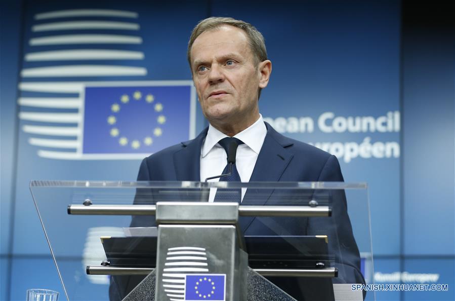 BRUSELAS, marzo 9, 2017 (Xinhua) -- El presidente del Consejo Europeo, Donald Tusk, pronuncia un discurso durante una conferencia de prensa al final del primer día de la cumbre de primavera del Consejo Europeo, en Bruselas, Bélgica, el 9 de marzo de 2017. Donald Tusk fue reelegido el jueves como presidente del Consejo Europeo en la cumbre llevada a cabo en Bruselas, a pesar de la oposición de su país de origen, Polonia. (Xinhua/Ye Pingfan)