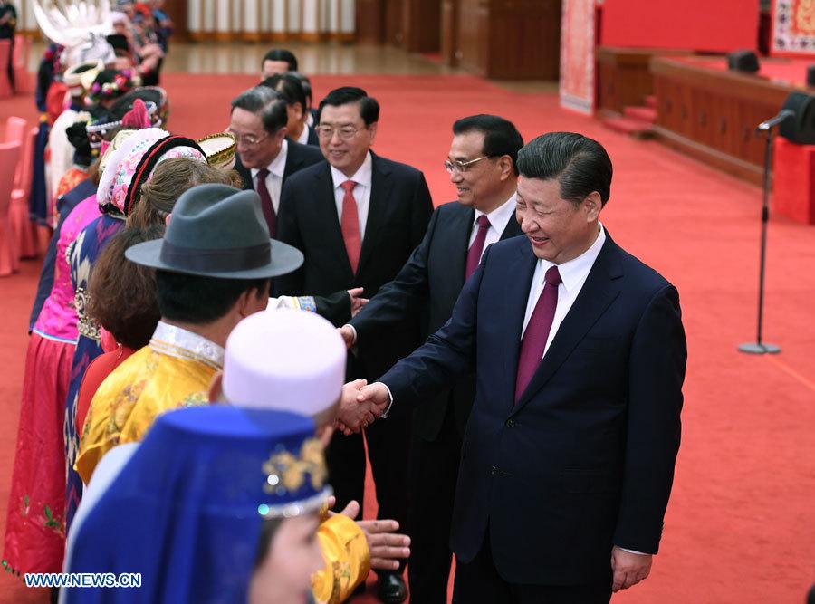 Xi Jinping participe à un rassemblement avec des législateurs et conseillers politiques issus de minorités ethniques
