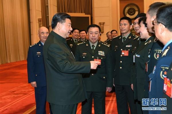 حضور شي جين بينغ الاجتماع الكامل لنواب وفد الجيش