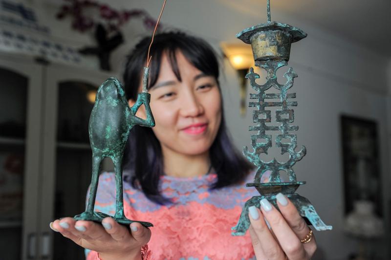 Grand collectionneur de lampes antiques chinoises