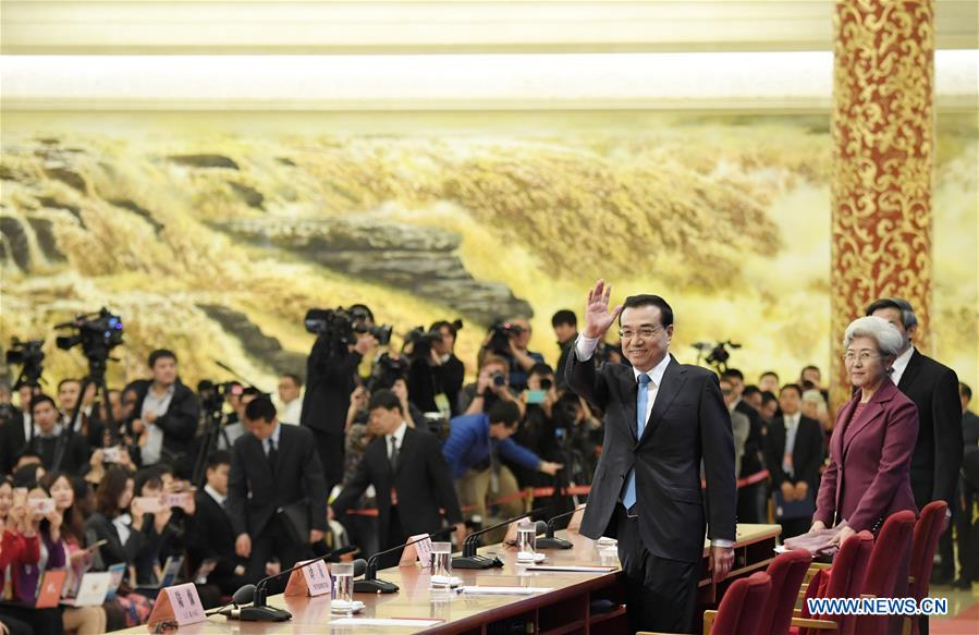 Chinese Premier Li Keqiang gives a press conference at the Great Hall of the People in Beijing, capital of China, March 15, 2017. (Xinhua/Zhao Yingquan)