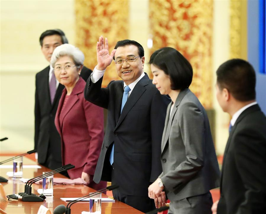 Chinese Premier Li Keqiang gives a press conference at the Great Hall of the People in Beijing, capital of China, March 15, 2017. (Xinhua/Ma Zhancheng)