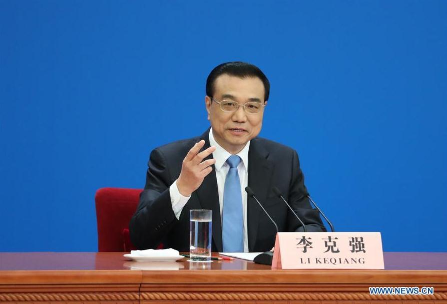 Chinese Premier Li Keqiang gives a press conference at the Great Hall of the People in Beijing, capital of China, March 15, 2017. (Xinhua/Xie Huanchi)